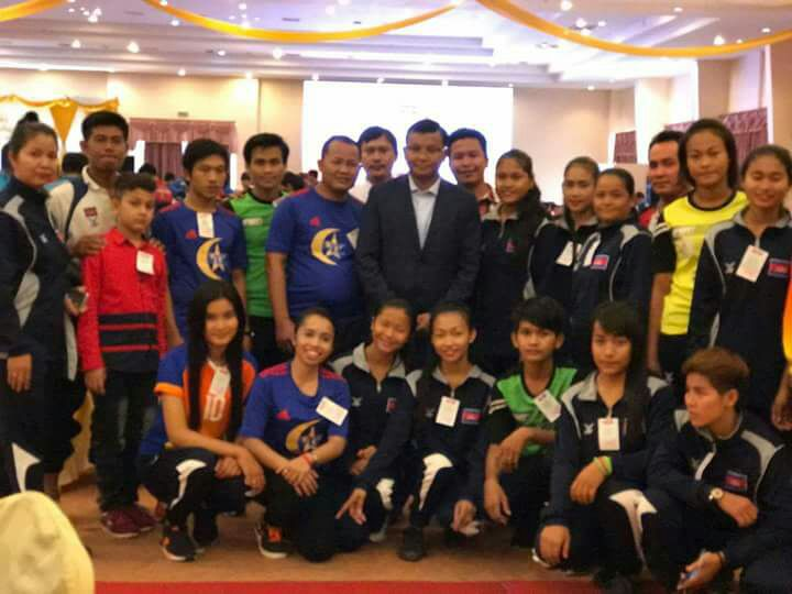 (Center) Minister of Education, Youth and Sports Cambodia
